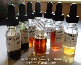 The NPI was the first online perfumer course to introduce students to the time- and money-saving method of diluting aromatics.
